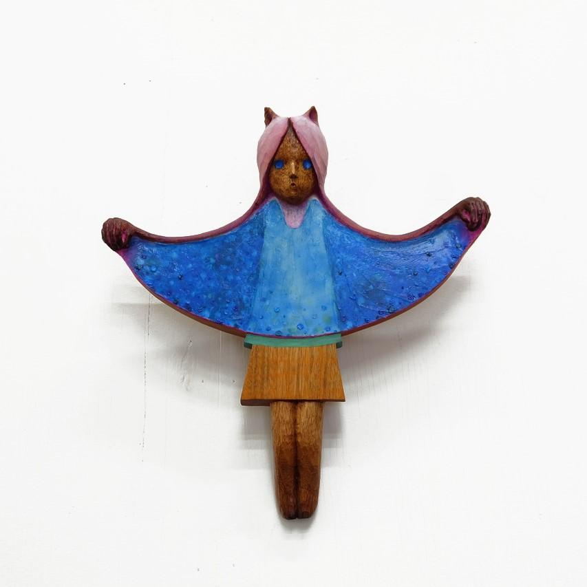 深いところから、青(From the Deep Side, Blue)/2020/wood, oil paint/31.2 x 29.1 x 5.4 cm ©Keisuke Yamamoto, Courtesy of Tomio Koyama Gallery